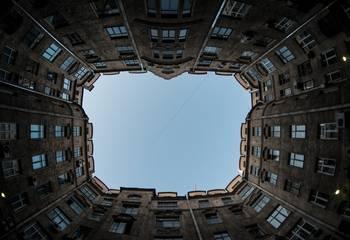 Mieszkanie za odstępne – co to znaczy i na czym polega? Czy warto korzystać z takich ofert?