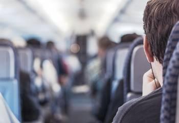 Overbooking w samolocie - co to jest, odszkodowanie za brak miejsca