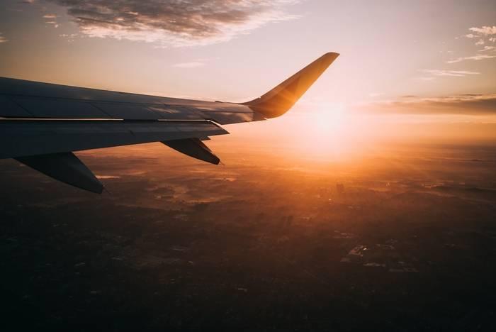 Odszkodowanie za opóźniony lot - wzór wniosku, kiedy je dostaniemy?