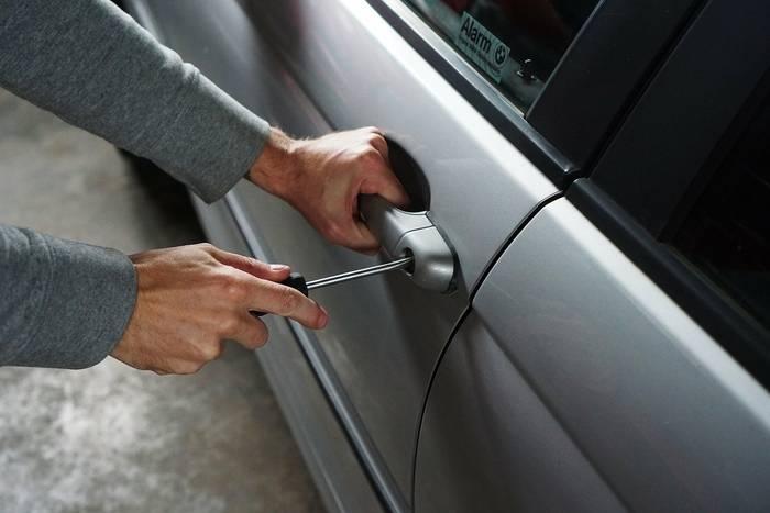 Zabezpieczenie samochodu przed kradzieżą – jak to zrobić?