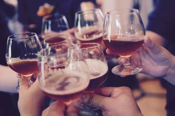 Czym jest klauzula alkoholowa?