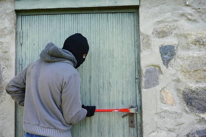 Jak zabezpieczyć dom przed włamaniem? Pięć sposobów