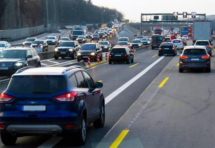 Hamowanie silnikiem - na czym polega i jakie ma zalety?