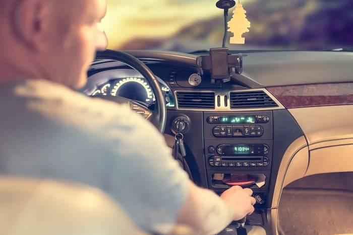 Pozycja za kierownicą - jak prawidłowo siedzieć za kierownicą?