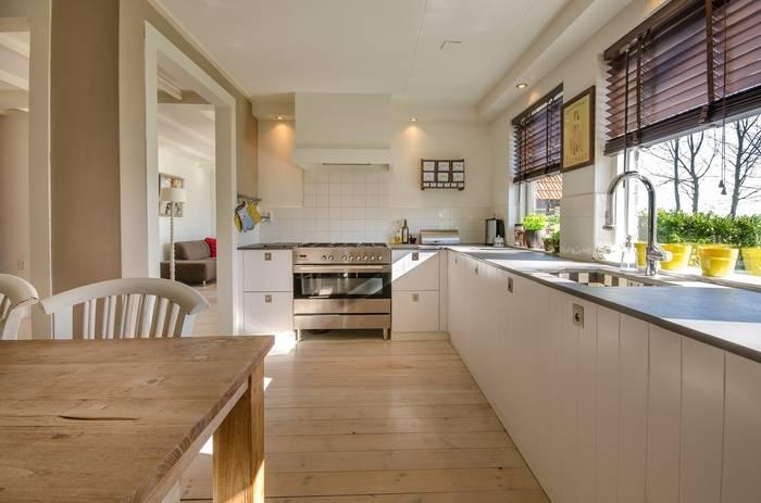 Mieszkanie bezczynszowe – co to znaczy i kiedy warto je kupić?